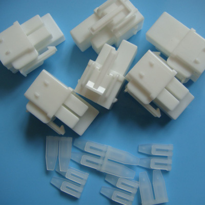 Electrical connectors - 35151-0410